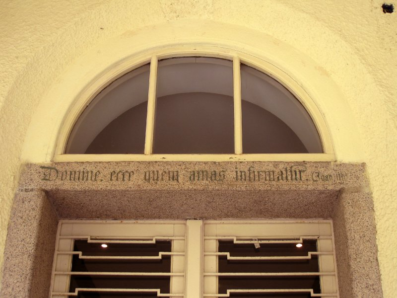 Motto above the front door of Béthanie