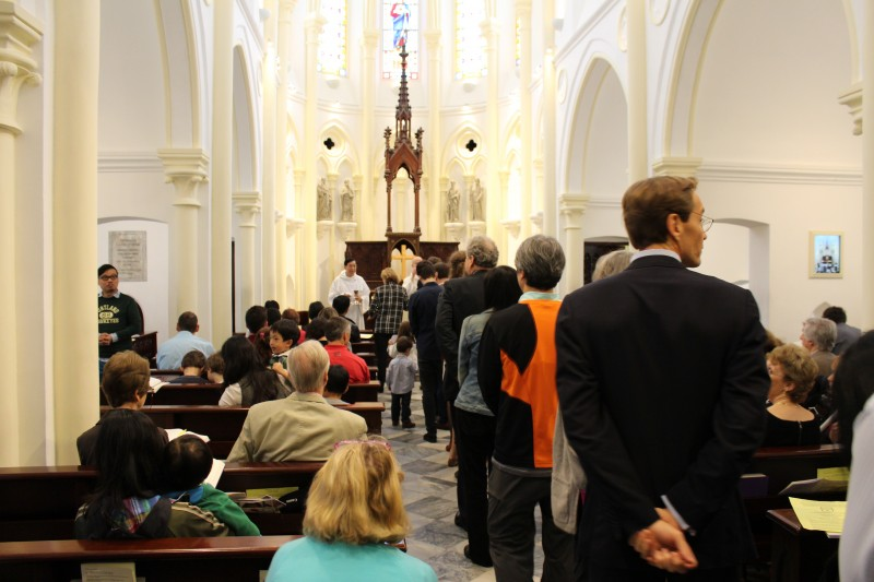 Bethanié Chapel was packed to capacity for Emmanuel's Sung Eucharist on Easter Sunday