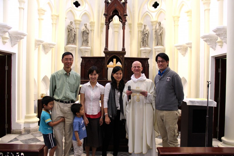 from left; David Wong, Cheris Yuen, Andrea Kan, Fr Nigel and Tim Tsang