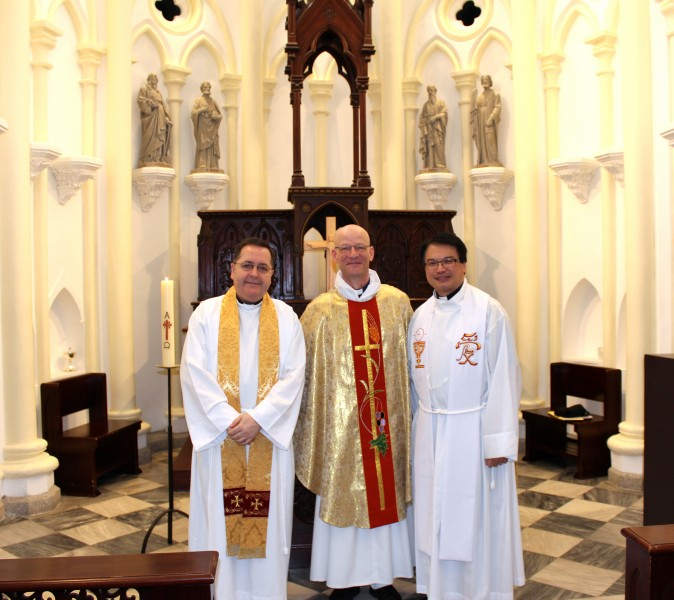 from left, Fr Robert, Fr Nigel and Dean Matthias Der at Emmanuel Church on the Third Sunday of Easter 2013