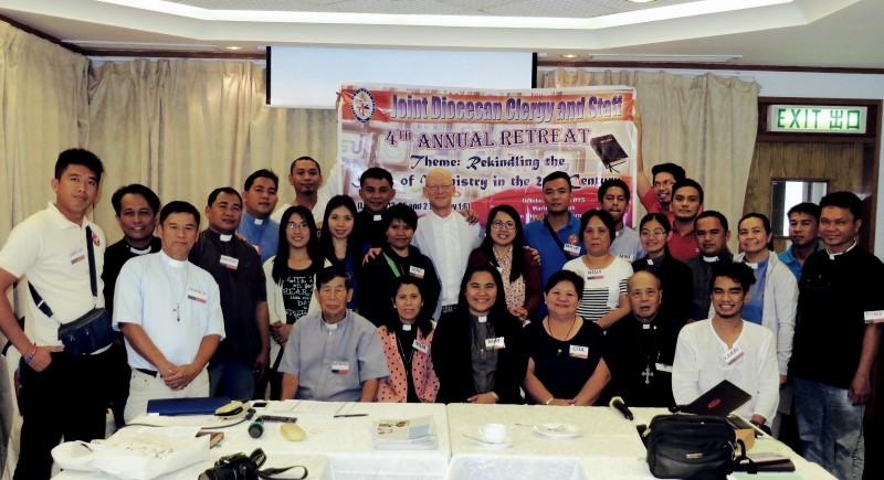 Delegates from the Diocese of Davao with retreat master, Fr Nigel, at the Mariners' Club, Hong Kong. The broad theme of the 5 day retreat was Rekindling Faith in the 21st Century and the Media's Role in Today's Social Media.
